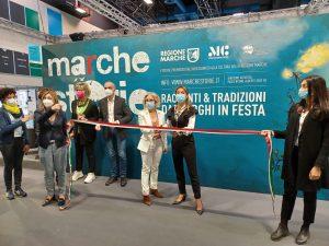 Taglio del nastro dello stand di Giunta e Consiglio Marche alla XXXIII edizione del Salone internazionale del Libro di Torino